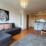 Spacious Lounge & Kitchen